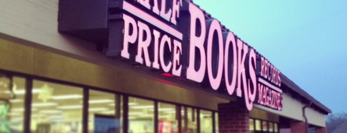 Half Price Books is one of Elaineさんのお気に入りスポット.