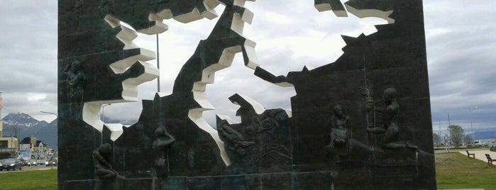 Plaza Isla Malvinas is one of Tempat yang Disukai Julián A..