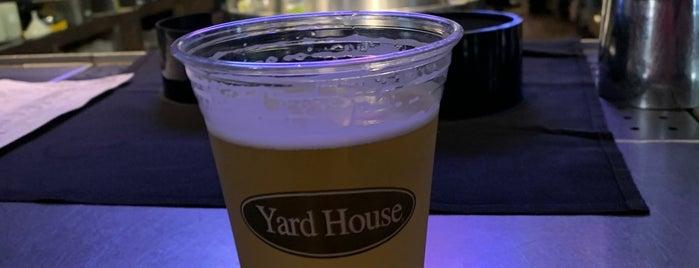 Yard House is one of Orte, die Chris gefallen.