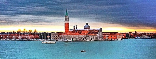 Hotel Londra Palace is one of Fashion Night in Venice.