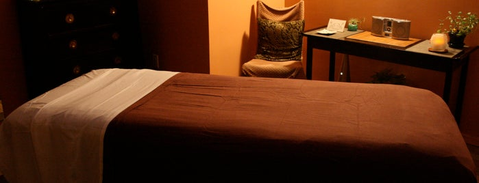 Eastside Massage Therapy is one of Posti salvati di Andrea.