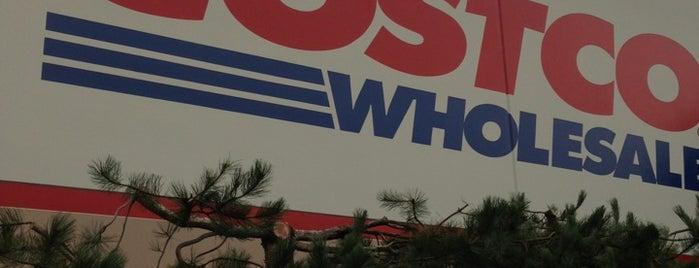 Costco is one of Orte, die Jennifer gefallen.