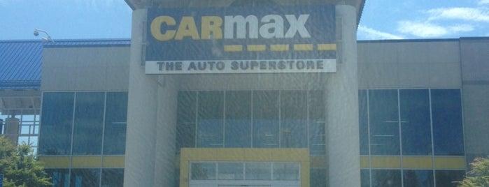CarMax is one of Tempat yang Disukai Lindsaye.