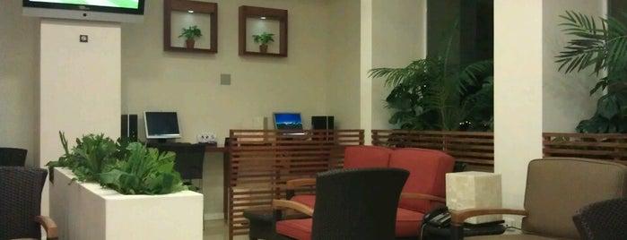 Salon Premier Aeromexico is one of Tempat yang Disukai R.