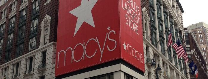 Macy's is one of Lugares donde estuve en el exterior.