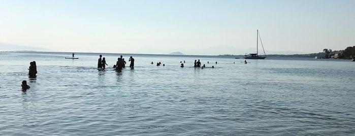 Aeginitissa beach is one of Posti che sono piaciuti a Thodoris.