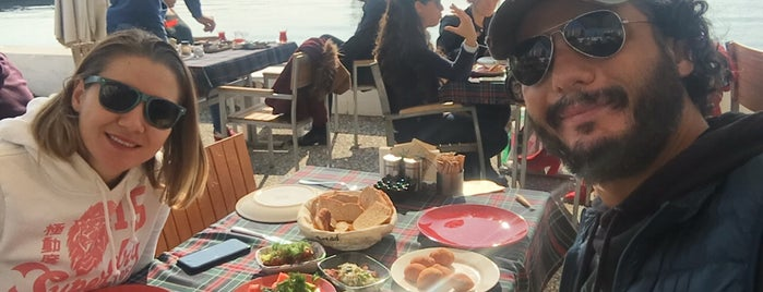 Yelken Cafe is one of Posti che sono piaciuti a Elif.