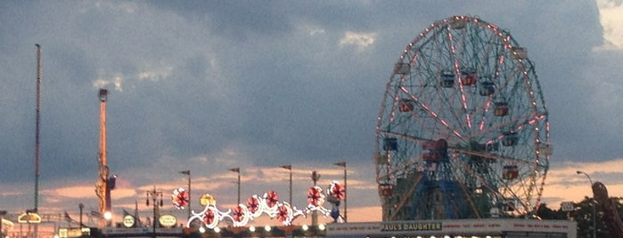 Coney Island is one of New York🗽🌃.