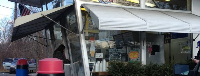 Ridgefield Ice Cream Shop is one of Orte, die Denise gefallen.