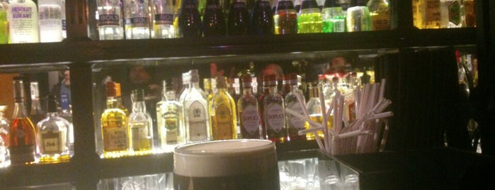Molly Malone's Irish Pub is one of Gernot 님이 저장한 장소.
