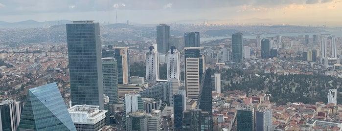 Istanbul Sapphire is one of Lieux qui ont plu à Mesut.