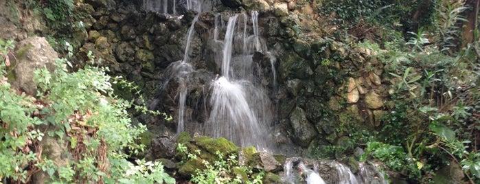 Argyroupoli waterfalls is one of Lugares favoritos de Darya.