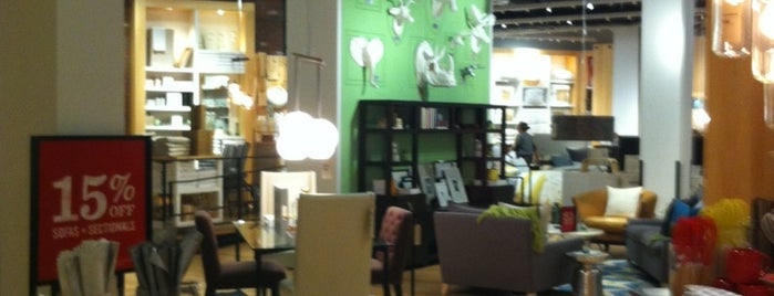 West Elm is one of Tempat yang Disukai Al.
