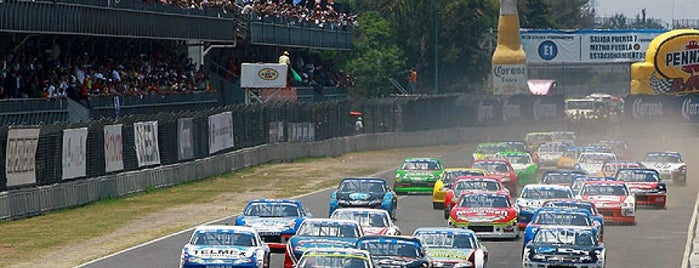 Autódromo Hermanos Rodríguez is one of สถานที่ที่ Ricardo ถูกใจ.