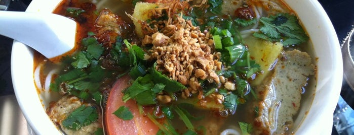 Nha Hang Viet Nam is one of Unofficial LTHForum Great Neighborhood Restaurants.