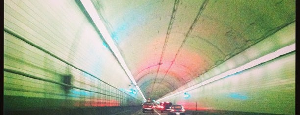 Downtown Tunnel is one of Lugares favoritos de Dawn.
