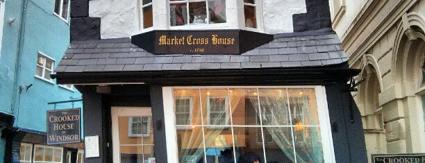 Crooked House of Windsor is one of Carl 님이 좋아한 장소.