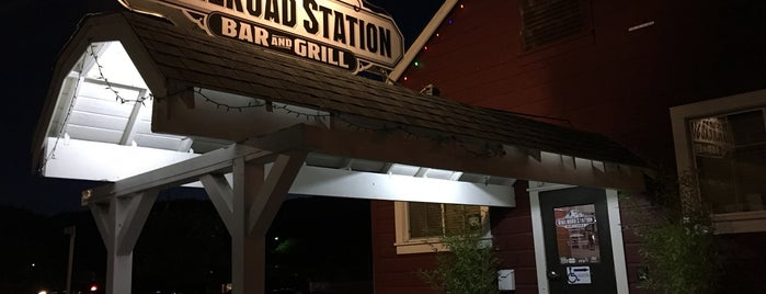 Railroad Station Bar & Grill is one of Guerneville Ft Bragg trip.