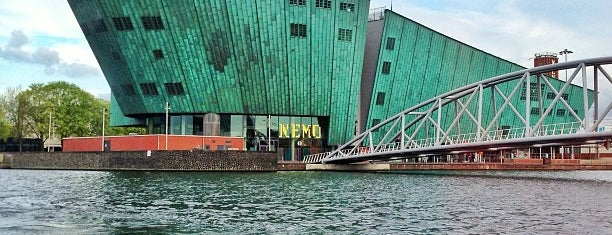 NEMO Science Museum is one of Z☼nnige terrassen in Amsterdam❌❌❌.