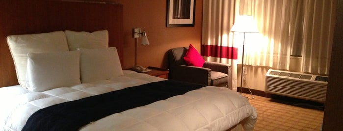 Metro Points Hotel Washington North is one of Lugares favoritos de Lena.