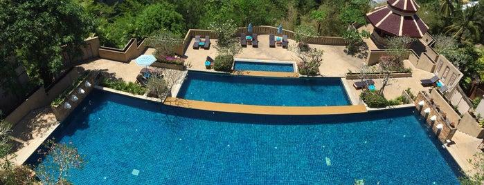 Pavillion Queen Bay's Swimming Pool is one of Tempat yang Disukai Melisa.