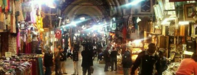 Grande Bazar is one of istanbul gezi listesi.