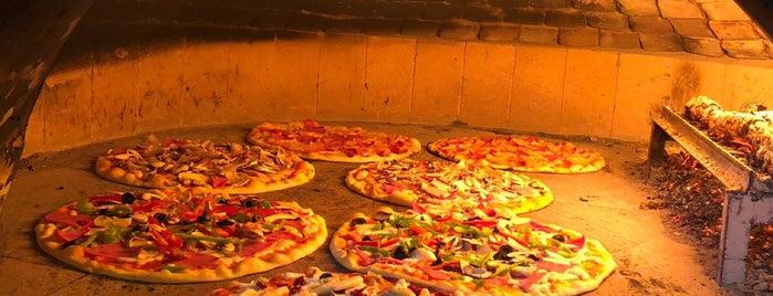 Donatello Pizza is one of Aylin'in Kaydettiği Mekanlar.