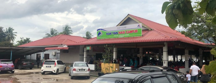 Kak Yan Nasi Campur is one of Locais curtidos por Rahmat.