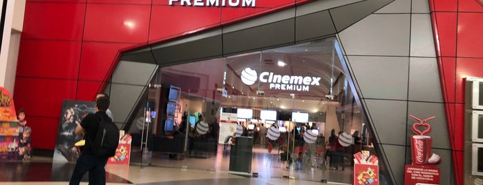 Cinemex Premium is one of Lieux qui ont plu à Armando.