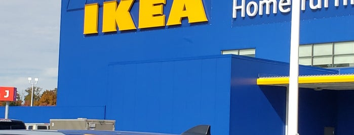 Ikea Restaurant is one of สถานที่ที่ John ถูกใจ.