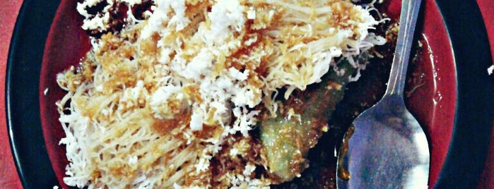 Putu Medan is one of Locais curtidos por Zammil.