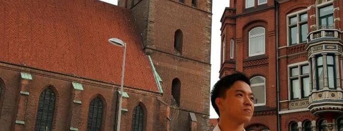 Bücherschrank Marktkirche is one of Givebox / Bücherschrank.