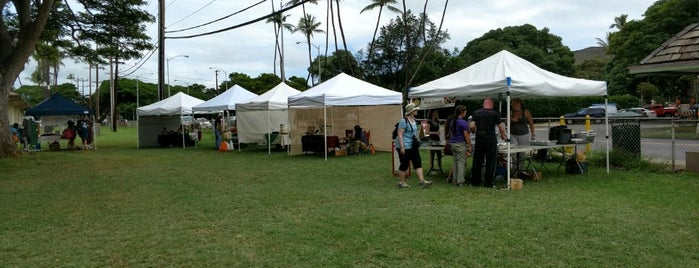 waikiki specialty farmers market is one of Posti che sono piaciuti a Barbara.