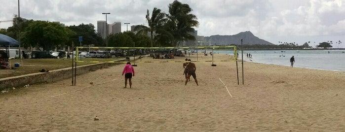 Ala Moana Beach Volleyball is one of Lugares guardados de Maori.