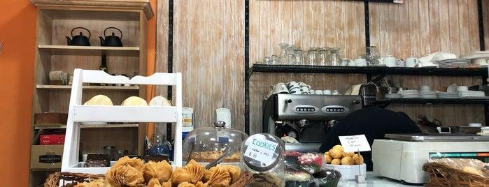 Panadería La Argentina is one of Buenos Aires.