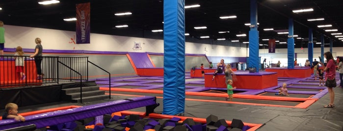 Altitude Trampoline Park - Richardson is one of สถานที่ที่ Michael ถูกใจ.