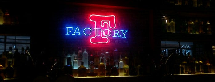 Factory Bar and Grill is one of สถานที่ที่ Paola ถูกใจ.