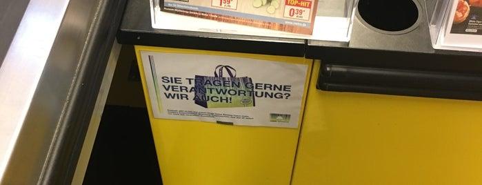 METRO Cash & Carry Deutschland is one of Locais curtidos por Volker.