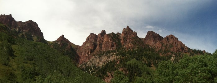 Maroon Bells Scenic Hiking Trail is one of CO.