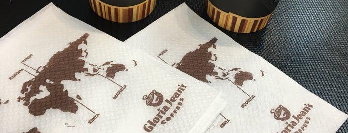 Gloria Jean's Coffees is one of Tempat yang Disukai Emre.