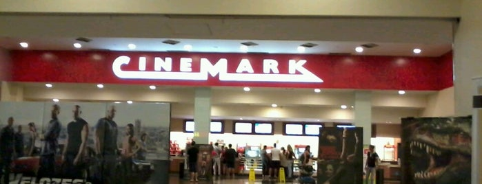 Cinemark is one of Tempat yang Disukai Carlos.