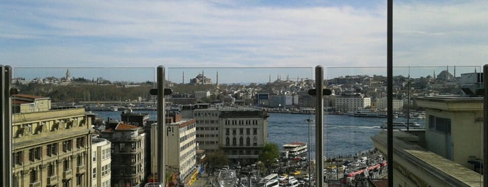 ZeldaZonk is one of İstanbul'un En Güzel Terasları.