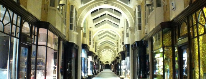 Burlington Arcade is one of Inglaterra.