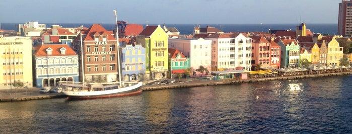 Curaçao is one of Tempat yang Disukai Ada.