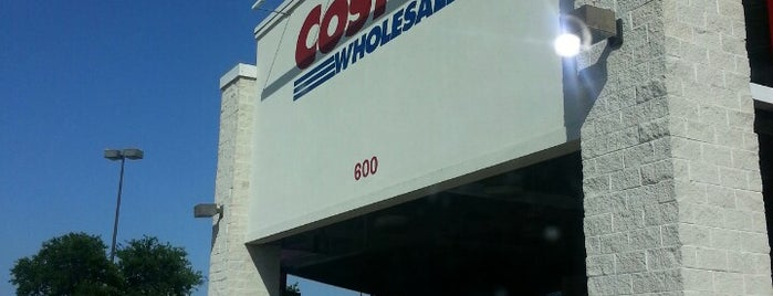 Costco is one of Orte, die Amy gefallen.