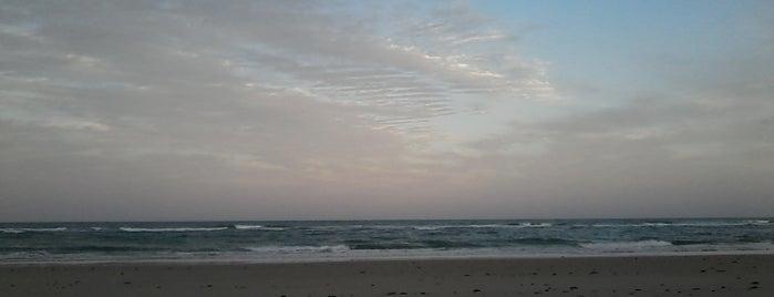 Praia de Algodões is one of Costa do Dendê.