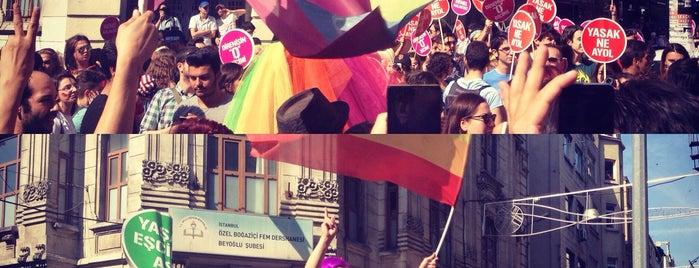 13. LGBTİ #OnurYürüyüşü 2015 is one of Posti che sono piaciuti a Mete.