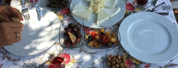 Çetilik köy kahvaltısı is one of Lugares favoritos de k&k.