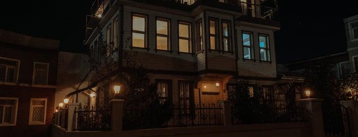 Işıklar Film Stüdyoları is one of HANDE'nin Beğendiği Mekanlar.