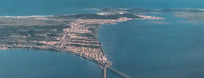 Aeroporto Regional Sul Humberto Ghizzo Bortoluzzi (JJG) is one of Tempat yang Disukai MZ✔︎♡︎.